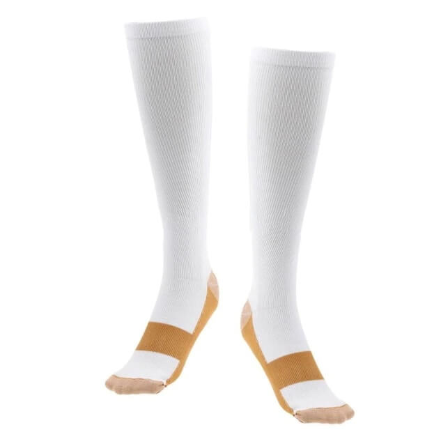 גרביים אלסטיות בצבע לבן